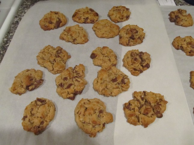 Peanut Butter, Oatmeal and Chocolate Chunk Cookies