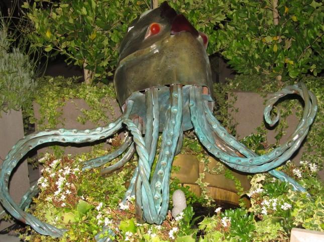 Calamari Sculpture at Fish Story